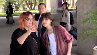 Video Charlotte Gainsbourg and her kid daughter arriving at Cannes airport MP3, 3GP, MP4, WEBM, AVI, FLV Mei 2017