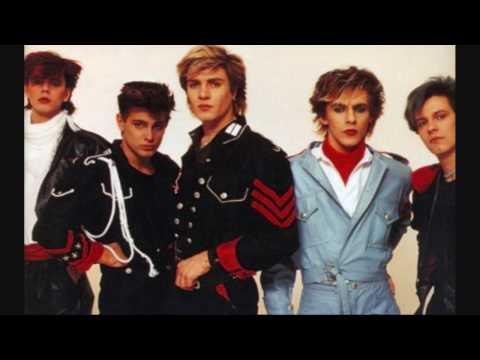Tekst piosenki Duran Duran - Late Bar po polsku