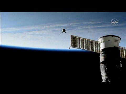 Το Soyuz «δένει» στον Διεθνή Διαστημικό Σταθμό