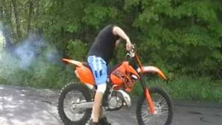 9. 2007 KTM 200xc First Start Up