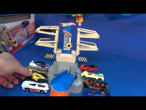 Hot Wheels Wreck Center Product Review