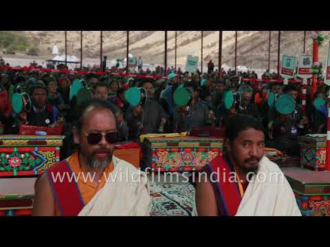 Hundreds of monks sit in the cold desert of Hemis for chanting session | Naropa 2018
