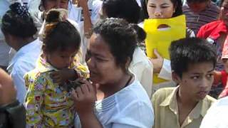 Khmer Documentary - Brave Khmer Lady - The Truth-Hun Sen's Development? More poverty