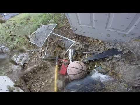 Уничтожение гнезда ос, снятое на камеру