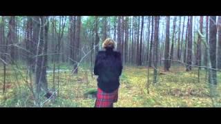 Modelio filmavimas miške