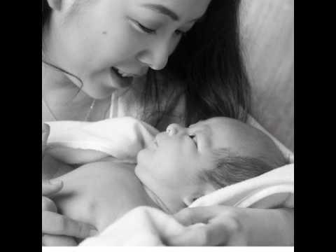 Timeless Black & White Newborn Photography