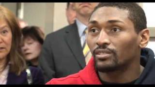 Lakers player Ron Artest visits UCLA patients at the Resnick Neuropsychiatric Hospital at UCLA