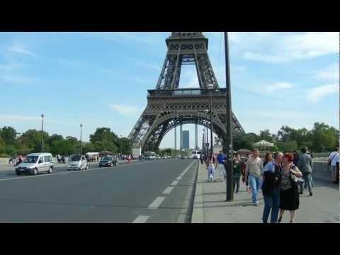 Buses RATP Paris (Tour Eiffel / Pont d'Iéna)