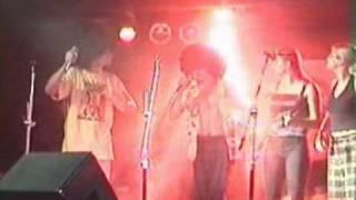 Video Přiletěli v talířku - live 2002