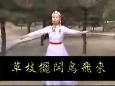 """趕..羚..羊!!! 草..枝..擺~哈哈哈~~最新流行歌曲..我笑翻了~到底是誰唱的 我的媽>""""<"""