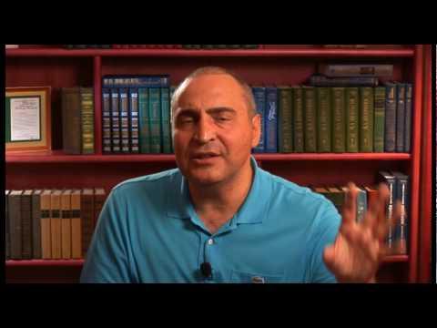 На тему сетевого маркетинга отвечает Владимир Довгань — основатель Школы успеха «Победитель»