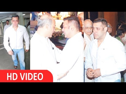 Salman Khan Cries During Prayer Meet Of Late Rajjat Barjatya