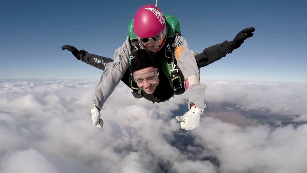 Tony Veggebergs første fallskjermhopp