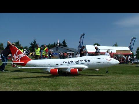 RC Airplane Boeing 747-400 Virgin Atlantic Airways Maiden-flight 2015