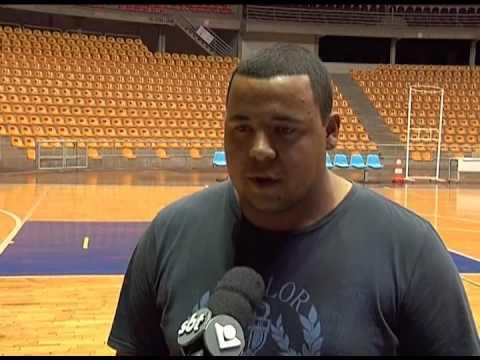 Amigos e amantes do futsal de Uberlândia fizeram homenagem a Leléo