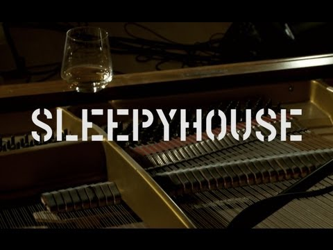 Session Vom Dach 01: SLEEPYHOUSE