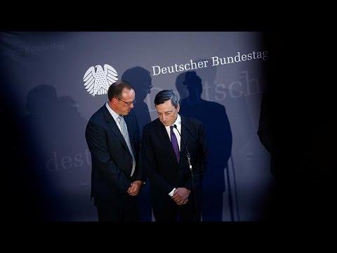 Ανταλλαγή «πυρών» Ντράγκι- Γερμανών βουλευτών για τα χαμηλά επιτόκια – economy