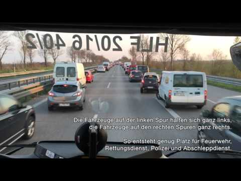 How emergency services get to an accident on a busy road in Germany
