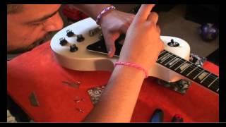 Download Lagu 2013 Gibson Les Paul LPJ Gets A New Pickguard Mp3