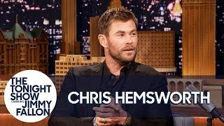 Video Chris Hemsworth Explains Thor's Unexpected Ragnarok Haircut MP3, 3GP, MP4, WEBM, AVI, FLV Juli 2018