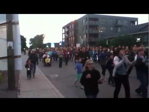 Manifestation de casseroles rue d'Iberville Montréal mai 2012