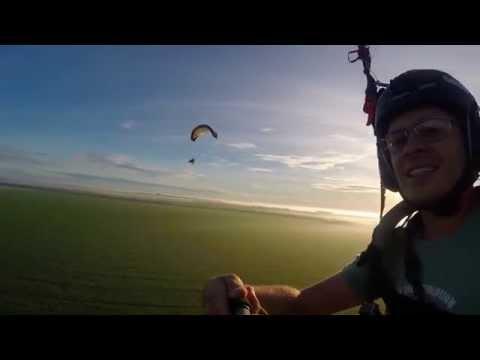 Voo de Paramotor sobre as nuvens em Lucas do Rio Verde