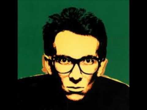 Tekst piosenki Elvis Costello - Kinder Murder po polsku