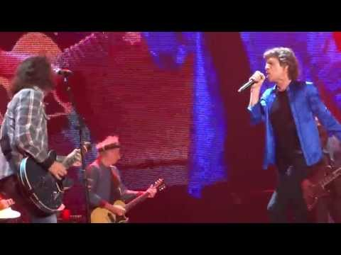 Foo Fighters' Dave Grohl Joins Rolling Stones on stage