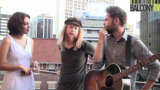 PASSENGER & STU LARSEN - HEARTS ON FIRE (BalconyTV)