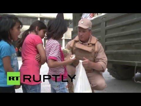 Российские военные доставили около 2,5 тонн гумпомощи в школу и детский сад в Латакии