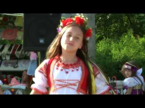 украинские национальные костюмы в показе PlayFashion Junior