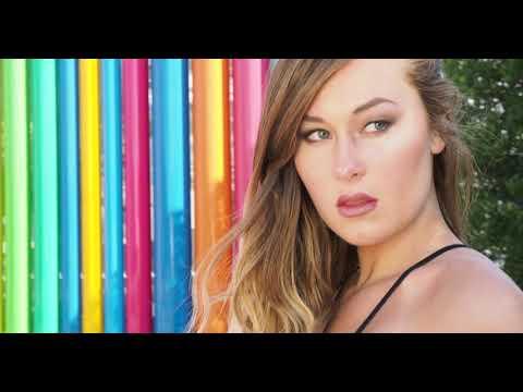 Mike Majewski - Photographer Photographs Model with SPARKLING SUN Reflector in Vegas