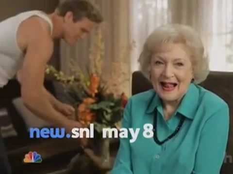 Saturday Night Live 37.20 (Clip 'Hunger Games Reporter')