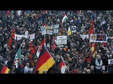Δρέσδη: Παράλληλες διαδηλώσεις υπέρ και κατά του ξενοφοβικού PEGIDA