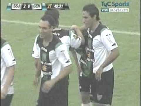 Gol de Cristian Grabinski a Rosario Central