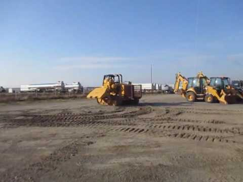 CATERPILLAR PIPELAYERS PL61 equipment video _u1GkfI-rag