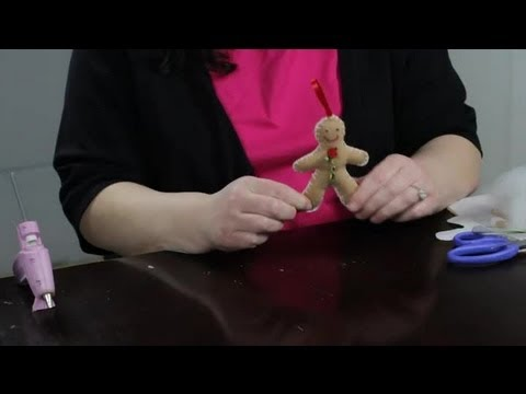 A Felt Gingerbread Man Tutorial : Felt Craft Projects