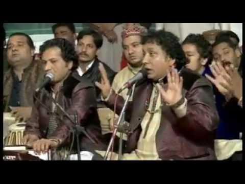Video Moray Angana Moin uddin Ayo Ray Qawali By Nazeer Aijaz Syed Chan Badshah Urs Mubarik 2017 download in MP3, 3GP, MP4, WEBM, AVI, FLV January 2017