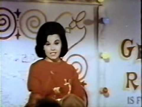 Annette Funicello - Step Right Up (1966 Fireball 500)