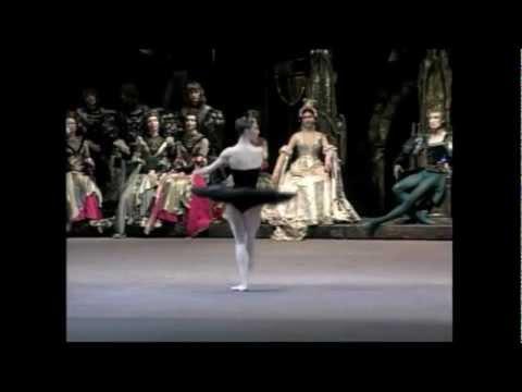ボリショイ・バレエ来日決定!「白鳥の湖」公演映像が到着しました