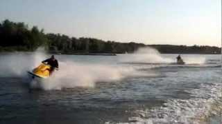 6. 2 Seadoo's 3D playing on the Merwede