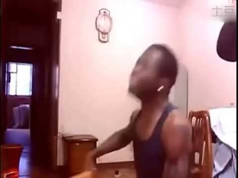 黑人用生命在演出陳奕迅經典歌曲《浮誇》,激動到不能自己!