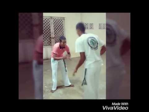 Capoeira de Barra de Guabiraba aluno zoi e Canela mestre Pinoti
