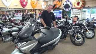 3. 2014 Suzuki Burgman 200 Review