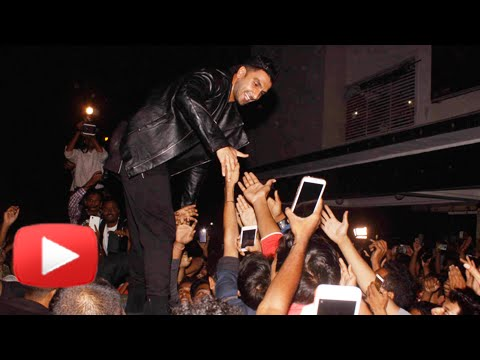Ranveer Singh Mobbed By Fans, REACTS On Bajirao Ma