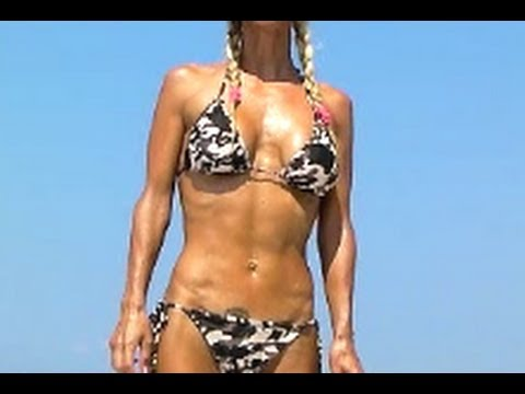 Hot Female Abs- Workout in Bikini