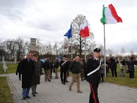Pietní akt na vojenském hřbitově v Milovicích