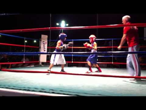 Daniele pugile baby 9 anni(Dresda boxing Siracusa)