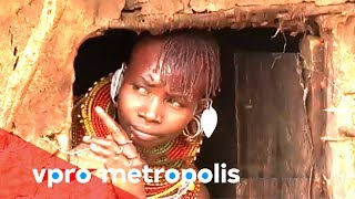 Kenyan correspondent Carren talks to the people of an isolated village about menstruation. The women are suffering for having to...