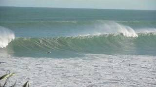 Raglan New Zealand  city photos : Surfing Manu Bay's barrel, Raglan New Zealand